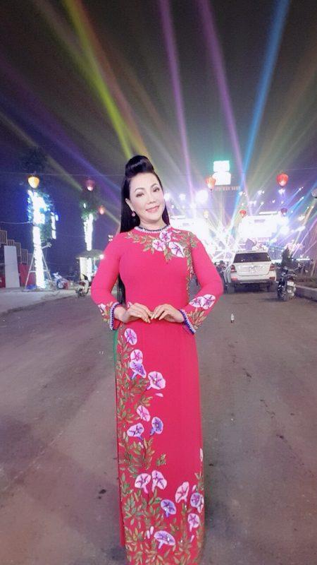Nghệ sĩ ưu tú Cẩm Tiên