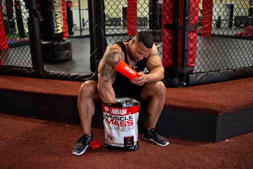 Pat lựa chọn sử dụng Labrada Muscle Mass