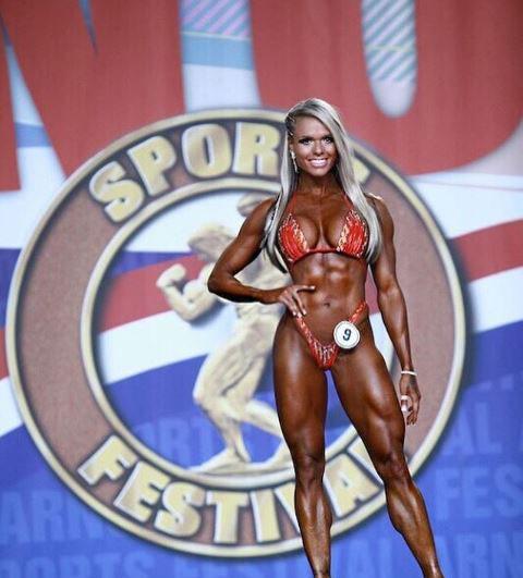 Larisa Reis thành công trên sàn thi đấu